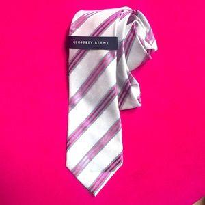 Geoffrey Beene pink and gray tie